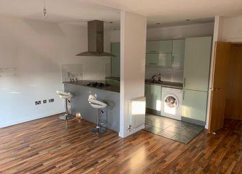 2 bed flat to rent in York Road, Waltham Cross EN8