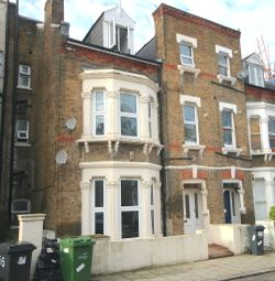 Thumbnail 3 bed flat to rent in Brailsford Road, Brixton