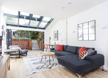 Thumbnail 2 bed flat for sale in Cromwell Avenue, Highgate Village
