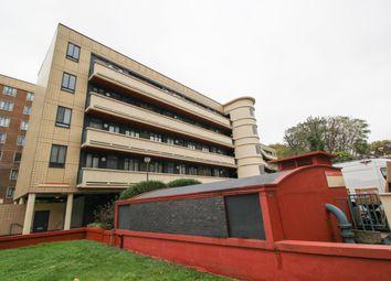 Thumbnail 1 bed flat for sale in Spa Green Estate, Rosebery Avenue, London