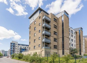 Thumbnail 2 bedroom flat for sale in Flat 17/8 Hawkhill Close, Easter Road, Edinburgh