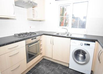Thumbnail 2 bed flat to rent in Horne Road, Thatcham, Berkshire