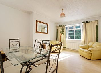 Thumbnail 3 bed flat to rent in Dollis Court, Crescent Road, Finchley, London