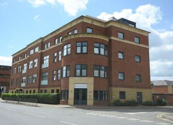 Thumbnail 2 bedroom flat to rent in Knoll Road, Camberley