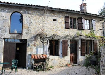 Thumbnail 3 bed property for sale in Poitou-Charentes, Charente, Benest