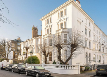 Thumbnail 1 bed flat for sale in Strathmore Gardens, London