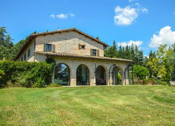 Thumbnail 9 bed farmhouse for sale in Sant'angelo In Vado, Sant'angelo In Vado, Pesaro And Urbino, Marche, Italy