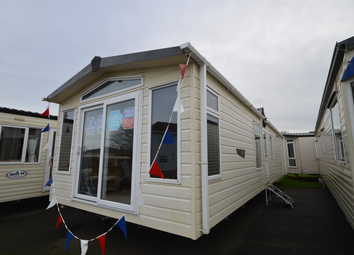 Thumbnail 2 bed property for sale in Lowestoft