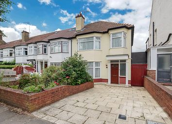 Thumbnail 3 bed terraced house for sale in Cavendish Avenue, Finchley