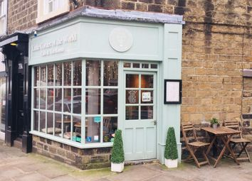 Thumbnail Restaurant/cafe for sale in Boroughgate, Otley