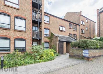 Thumbnail 2 bedroom flat for sale in Horseshoe Close, Canary Wharf, London
