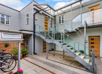1 bed flat for sale in Institute Walk, East Grinstead RH19