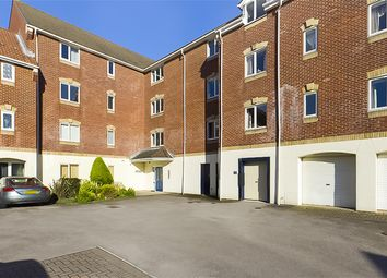 2 bed flat to rent in Pacific Close, Ocean Village, Southampton SO14