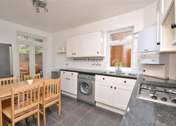 2 bed maisonette to rent in Grange Avenue, North Finchley N12