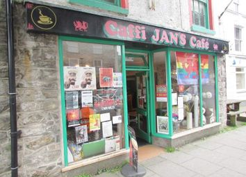 Thumbnail Restaurant/cafe for sale in 64 High Street, Bala