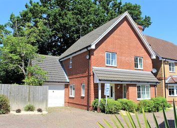 Thumbnail 4 bed detached house to rent in Evesham Place, Emmbrook, Wokingham