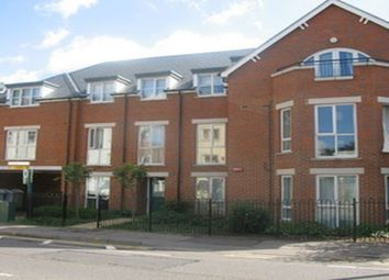 Thumbnail 2 bedroom flat to rent in Silver Street, Reading