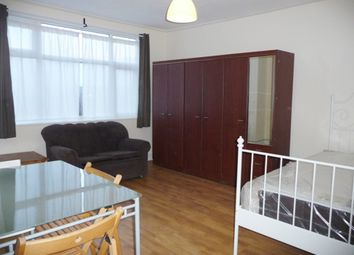 Thumbnail Studio to rent in Edgware Road, Cricklewood