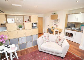 Thumbnail Studio to rent in Castlesteads, Bancroft, Milton Keynes