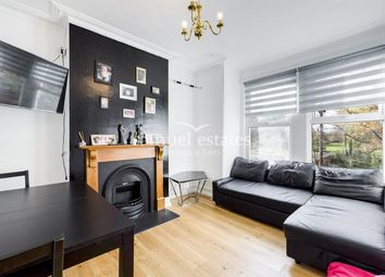 3 bed maisonette to rent in Byegrove Road, Colliers Wood, London SW19