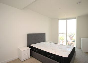 1 bed property to rent in Sky Gardens, Wandsworth Road, Nine Elms SW8