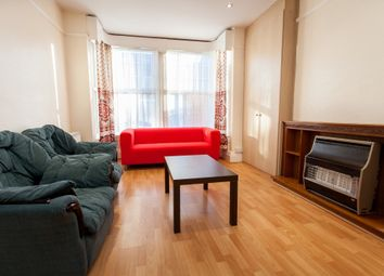 Thumbnail 3 bed flat to rent in Ash Road, Headingley
