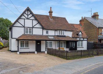 Cores End Road, Bourne End SL8. 5 bed detached house
