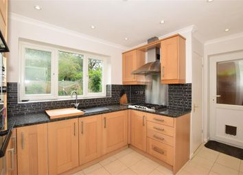 Fairhurst Drive, East Farleigh, Maidstone, Kent ME15. 4 bed detached house