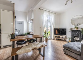 Thumbnail 2 bed flat for sale in Robert Square, Bonfield Road, London