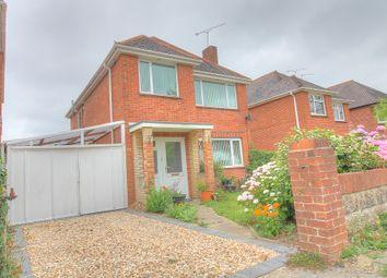 Rushington Avenue, Totton, Southampton SO40. 3 bed detached house