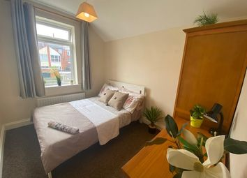Room to rent in Park Avenue North, Abington, Northampton NN3