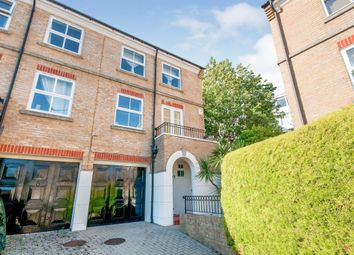 Richmond Place, Eastbourne BN21. 3 bed town house