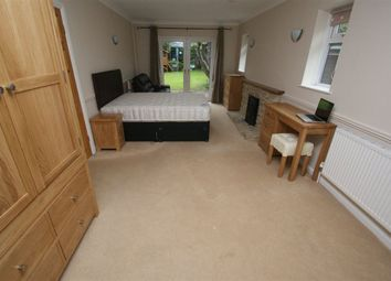 Thumbnail 1 bedroom flat to rent in The Beeches, Weyhill Road, Andover