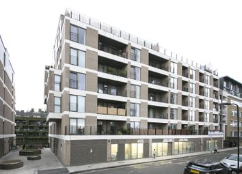 Thumbnail 2 bed flat for sale in De Beauvoir Crescent, De Beauvoir