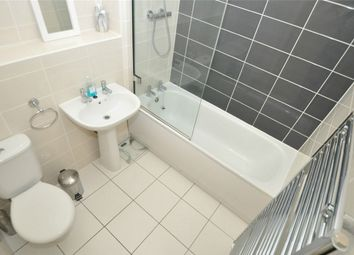 Thumbnail 2 bed flat for sale in Broadwater Road, Welwyn Garden City, Hertfordshire