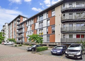 Thumbnail 2 bedroom flat for sale in Commonwealth Drive, Crawley, West Sussex