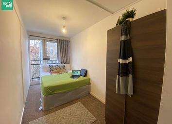 Thumbnail Room to rent in Room 2, Grafton Road