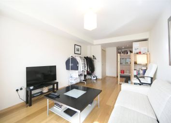 Thumbnail 1 bed flat to rent in Graham Street, Islington