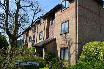 Thumbnail 1 bed property to rent in Westlands, Kings Road, Horsham, West Sussex