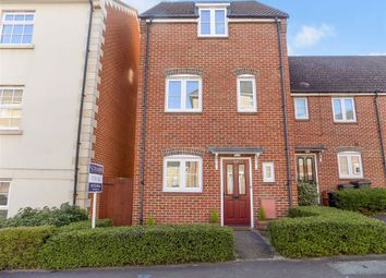 3 bed property for sale in Eastbury Way, Swindon, Wiltshire SN25