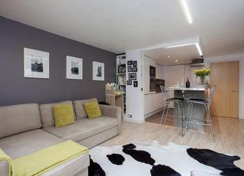 Thumbnail 2 bedroom flat to rent in Battersea Park Road, London