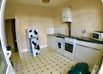 Thumbnail 2 bed flat to rent in Rosebery Avenue, Newland Avenue, Hull