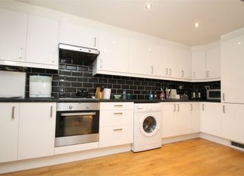 2 bed maisonette to rent in Oxford Gardens, London N21
