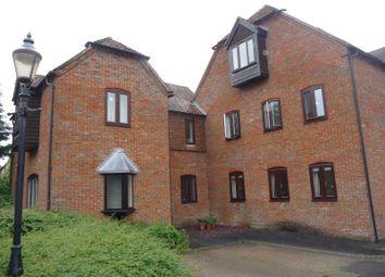 Thumbnail 1 bedroom flat to rent in Swan Court, Newbury