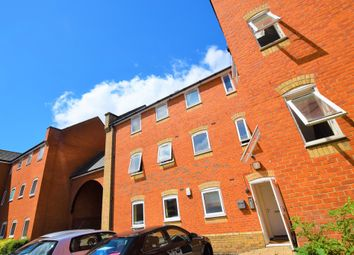 Thumbnail 3 bedroom flat to rent in Meachen Road, Colchester