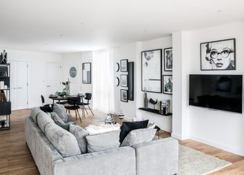 St Mark's Square, Bromley BR2. 3 bed flat