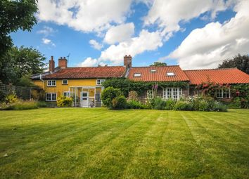 4 bed detached house for sale in High Street, Whissonsett, Dereham NR20