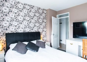 Thumbnail 2 bed flat for sale in Knights Way, Brentwood