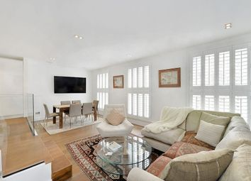 Thumbnail 2 bed flat to rent in Vicarage Gate, Kensington