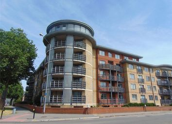 Thumbnail 2 bed flat to rent in Jubilee Square, Reading, Berkshire